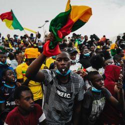 Los aficionados del equipo de Malí reaccionan después de un gol cuando un equipo de  | Foto:LUCAS BARIOULET / AFP