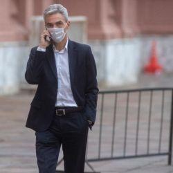 El ministro de transporte Mario Meoni sigue sin precisiones para el regreso de los vuelos y micros de larga distancia.