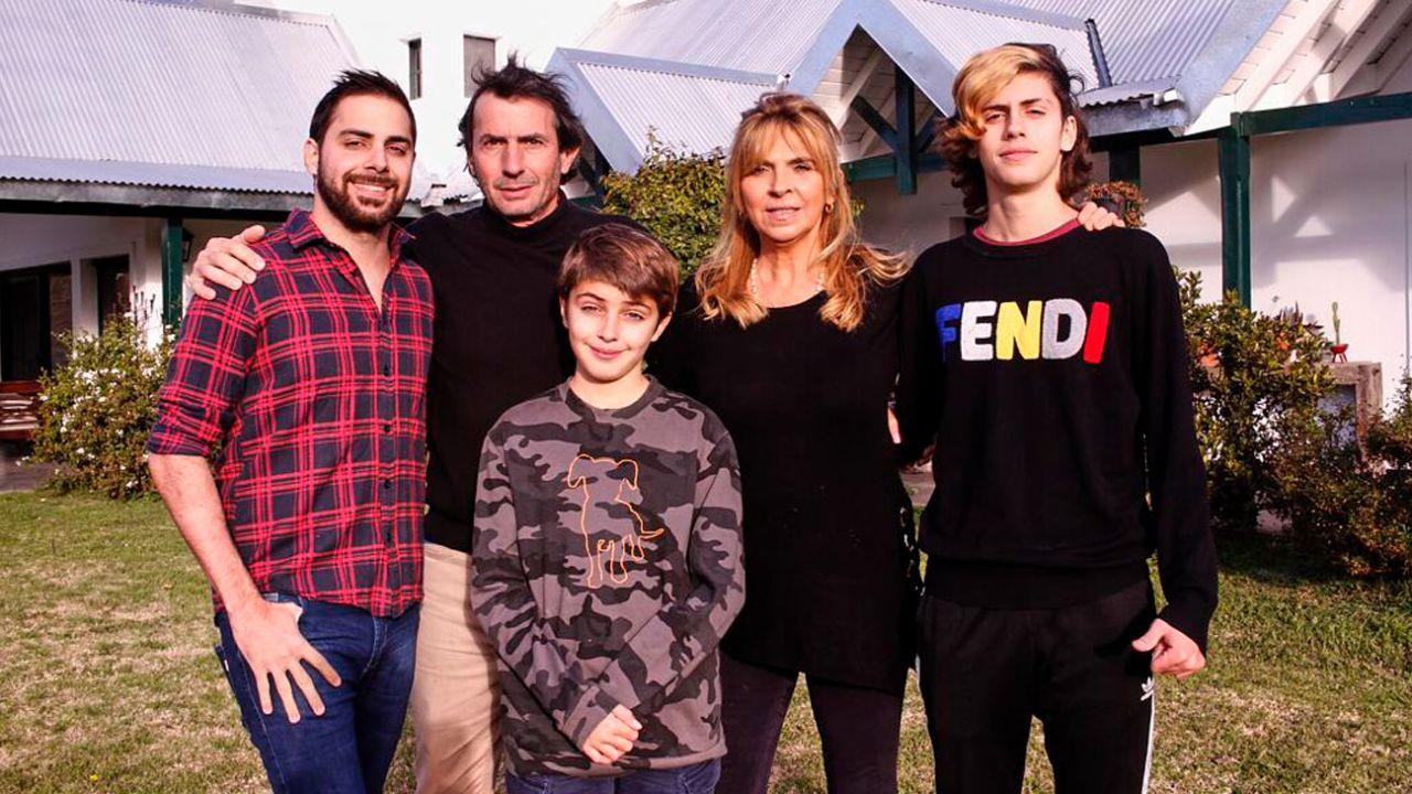 Grego Rossello y su familia | Foto:cedoc