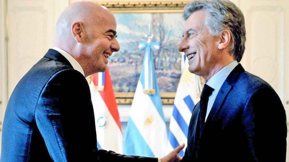 Gianni Infantino y Mauricio Macri