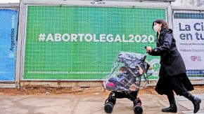 20200816_aborto_cartel_cedoc_g