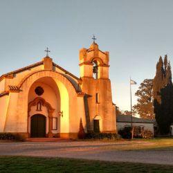 El precioso Monasterio de Los Toldos, tiene 28 camas y hay que pedir turno, especialmente para los retiros organizados.