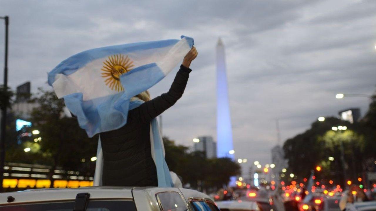 Banderazo nacional | Foto:Cedoc