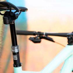 La tija telescópita es cara y agrega peso a la bicicleta, pero aún así muchos ciclistas la eligen.