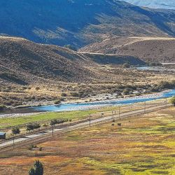 Para la construcción de la represa no se cortará el río Nahueve sino que en su lugar se realizará un azud derivador.