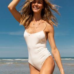 Renata Kuerten desde la playa ofrece esta exclusiva entrevista
