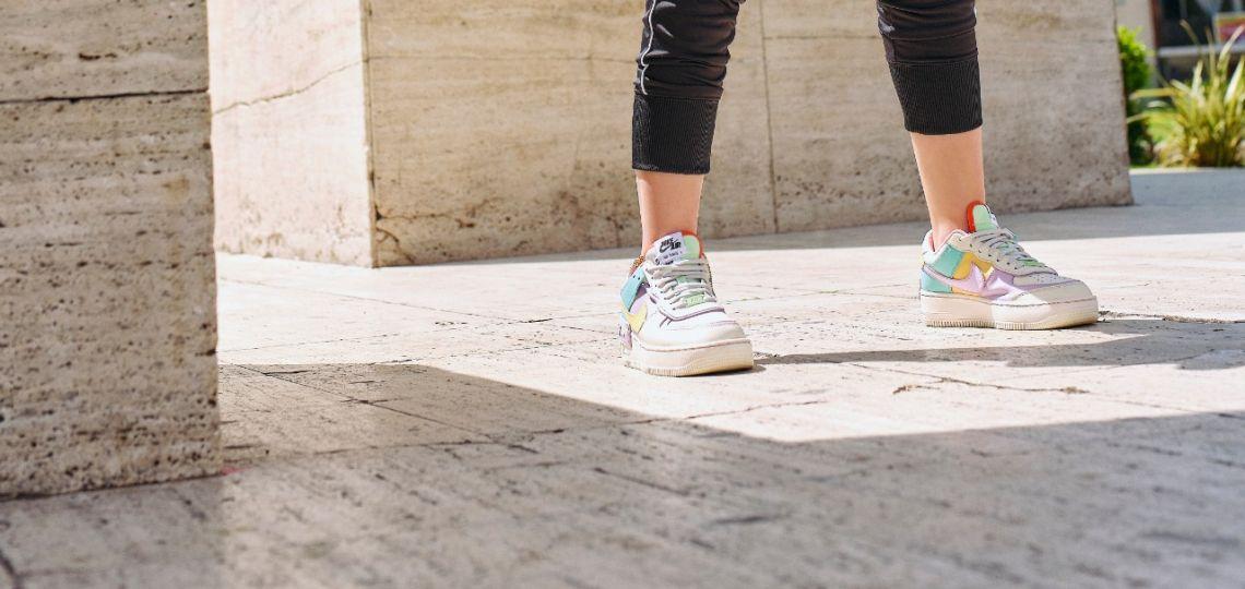 Las zapatillas color pastel son tendencia total y así lo demuestra Nike