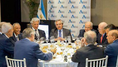 Alberto Fernández con empresarios