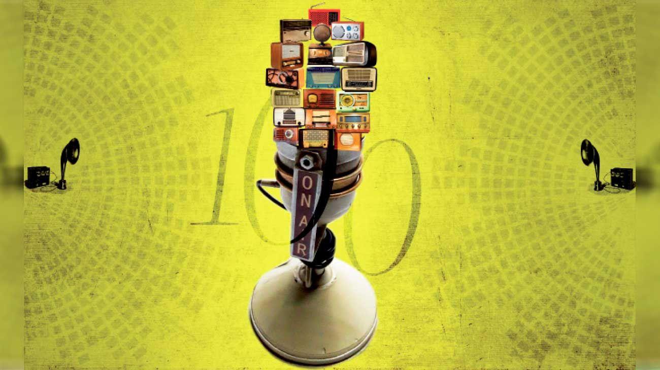 El 27 de agosto se cumple un siglo desde la primera emisión radial en la Argentina y Carlos Ulanovsky reedita y actualiza su ya clásico libro con una evocación emotiva y rigurosa.