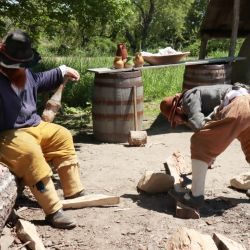 En el museo al aire libre de Plimoth Plantation se muestran a los visitantes las duras condiciones de vida de los primeros colonos ingleses en el actual territorio de Estados Unidos. Foto: Verena Wolff/dpa