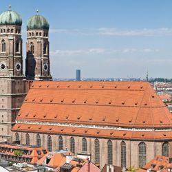 La Catedral de Nuestra Señora (Frauenkirche) cuenta con dos torres de 99 m. de altura que pueden apreciarse desde muchos lugares.