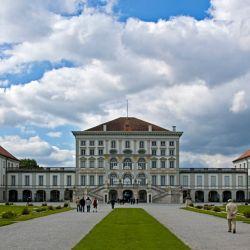 El Palacio Nymphenburg cuenta con sus 229 km. cuadrados de lagunas, arboledas y canales.