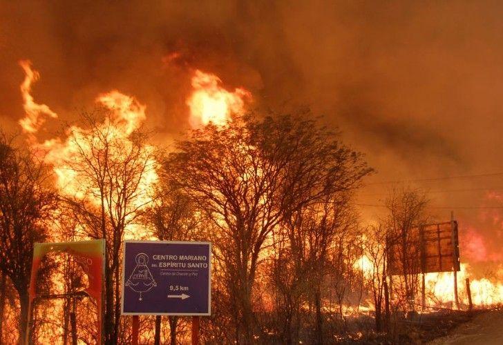 Hace ocho días que comenzaron los incendios en una extensa zona comprendida entre San Marcos Sierra, Capilla del Monte y Cruz del Eje