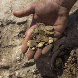El tesoro fue descubierto en una excavación arqueológica en Yavne, en el centro de Israel.