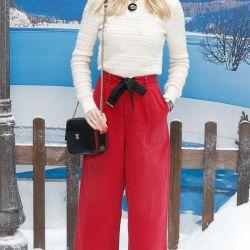 ¿Onda en la nieve? Sí, y mucha, con total look Chanel.
