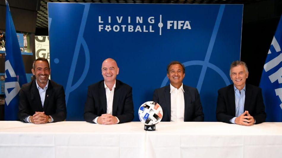 Macri y su primera actividad en Suiza con la FIFA