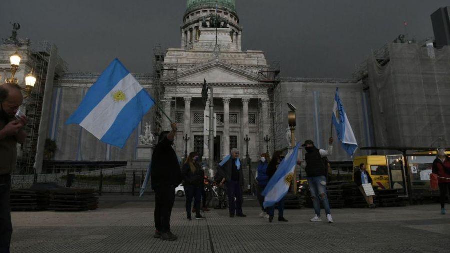 Protesta frente al Congreso. Foto: Ernesto Pages - Cedoc.