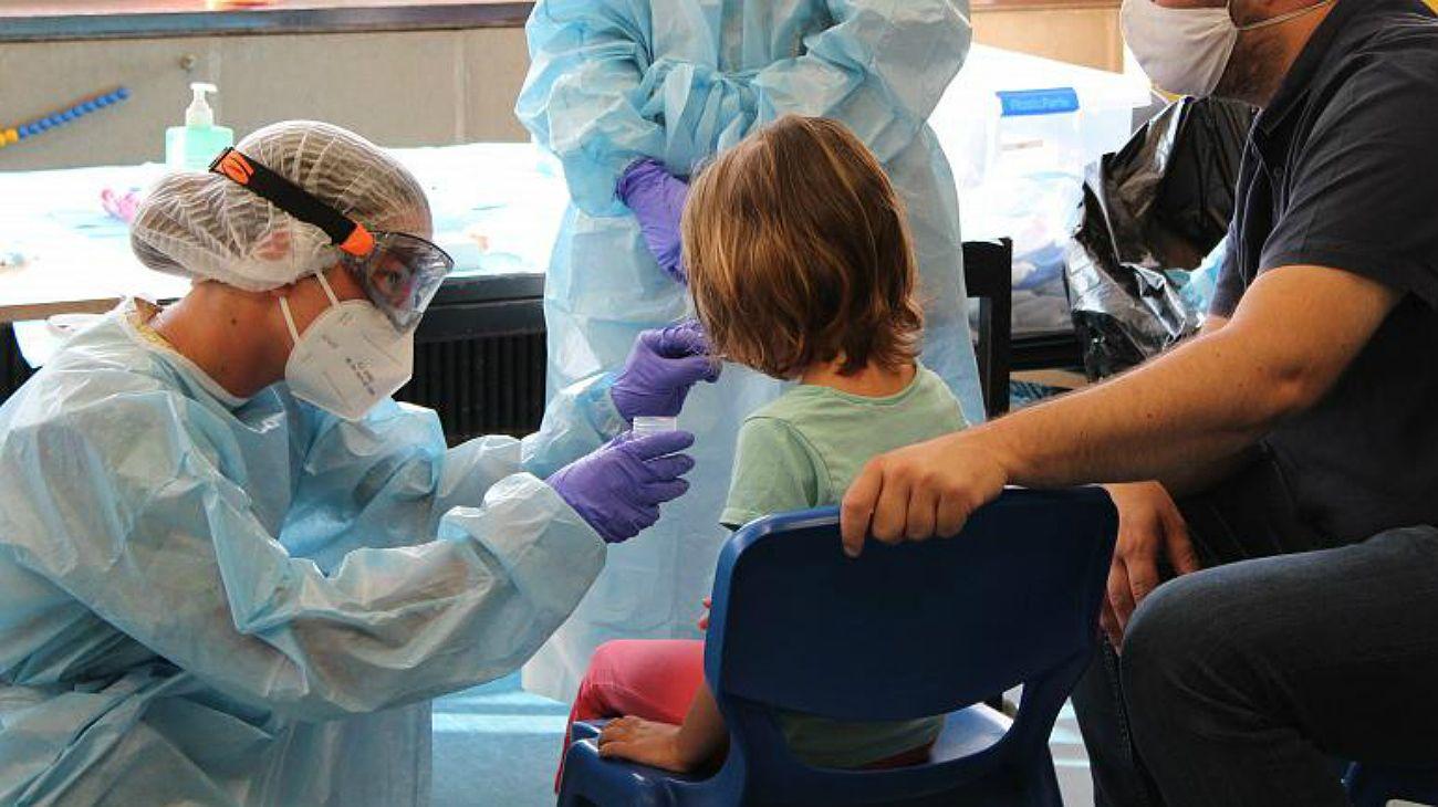 Coronavirus: los chicos contagiarían 6 veces menos que los adultos
