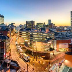 Ubicada en el noroeste de Inglaterra. a lo largo de su historia Manchester ha tenido una larga tradición industrial.