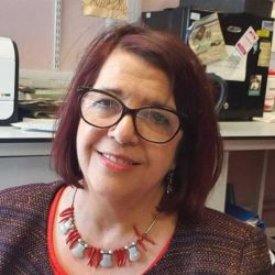 Cohen trabaja como patólogo-pediatra en el Hospital de Niños de Sheffield, Ingiaterra.