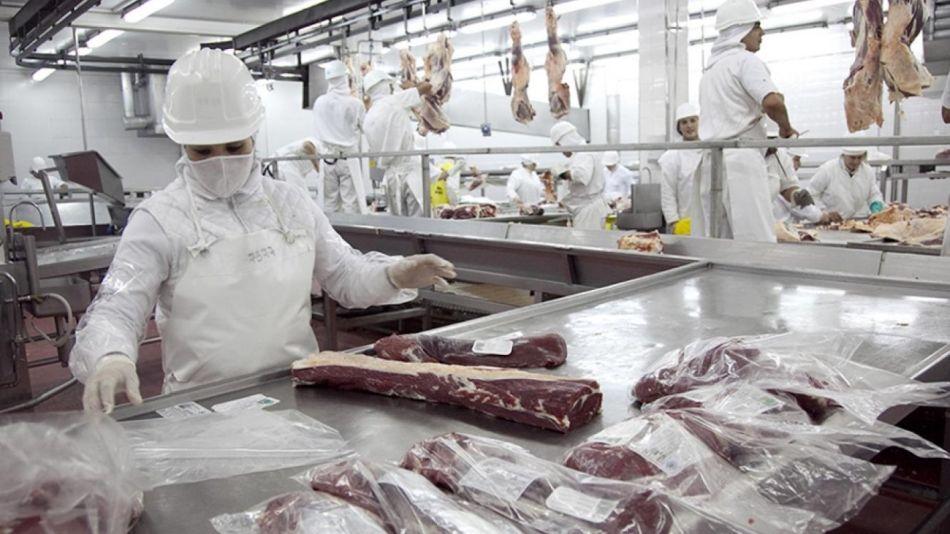 El gremio de la carne cerró su paritaria con 28% de aumento