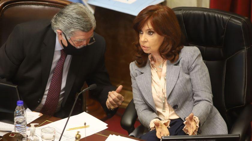 Ante la presión de JxC, Cristina Kirchner habilitó la presencia de más senadores en el recinto