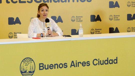 Soledad Acuña, ministra de Edicación porteña, en conferencia por la disputa con Nación por el regreso a las aulas.
