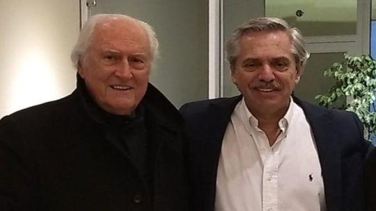 Pino Solanas, embajador frente a la UNESCO con Alberto Fernández.