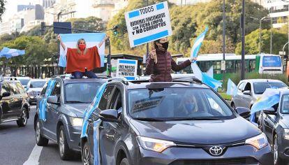 Autoconvocados. Una de las protestas opositoras contra la cuarentena.