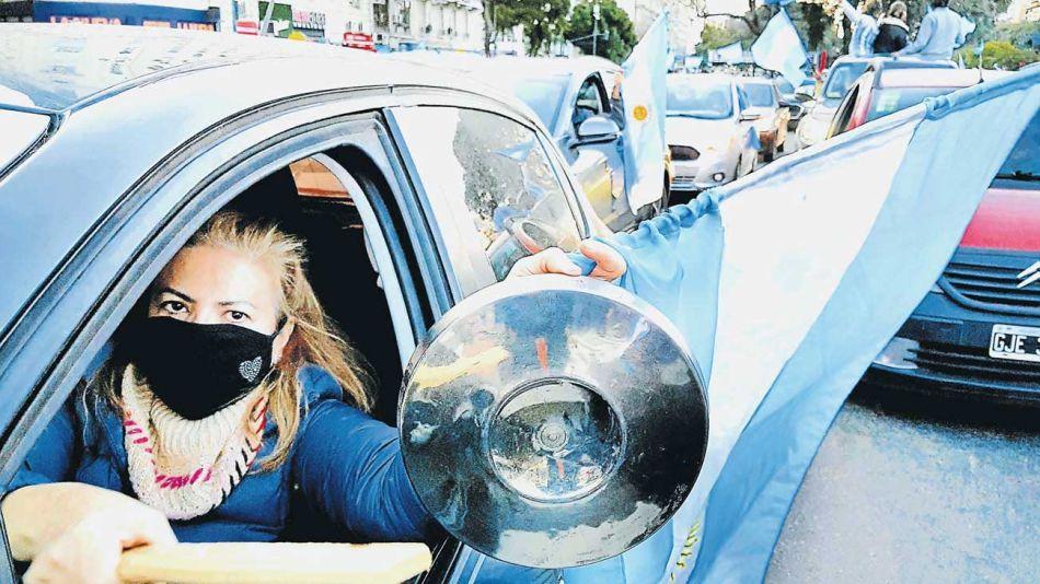 20200830_bandera_protesta_manifestaciones_auto_obregon_g