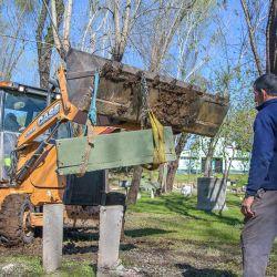 También están trabajando en el mejoramiento del relieve para el correcto drenaje del agua durante los días de lluvia.