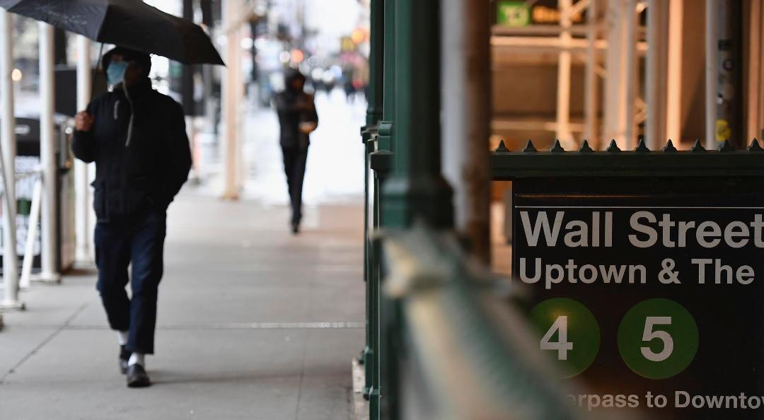 Las acciones de empresas argentinas que cotizan en Nueva York mostraron 17 bajas y dos alzas. La bolsa porteña  operó normalmente. El dólar blue cerró en $135.