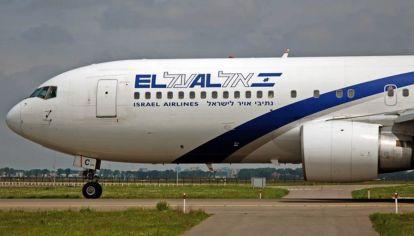El histórico vuelo partió del aeropuerto de Tel Aviv y aterrizó en Abu Dabi.