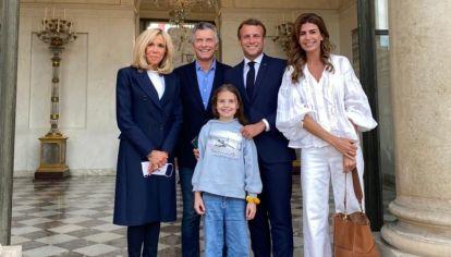 Macri, Awada, Antonia y la familia Macron