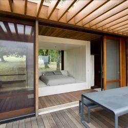 Ambas casas fueron construidas con un diseño elegante y minimalista que tiene varias características en común con los productos de Apple.