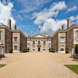 La mansión en donde descansan los restos de Diana.