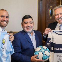 Diego Maradona visitó al presidente Alberto Fernández en Casa Rosada. //NA