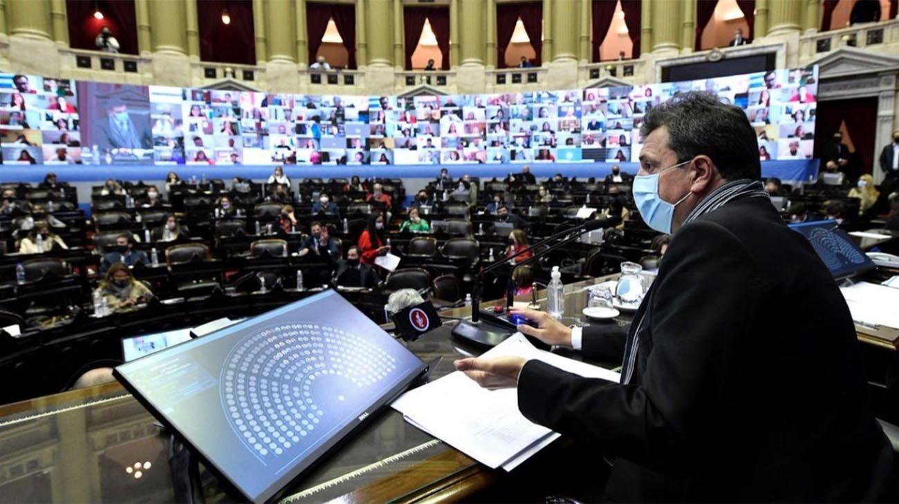 No podemos frenar al Congreso, nuestra responsabilidad es darle leyes a la Argentina. Este es el Congreso de todos y la incomprensión de un sector no va a detener el funcionamiento de la democracia argentina.