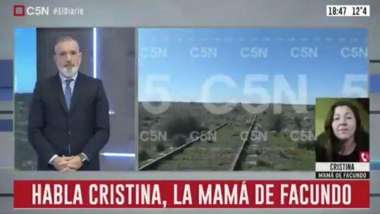 Pablop Duggan entrevistando a la madre de Facundo Astudillo