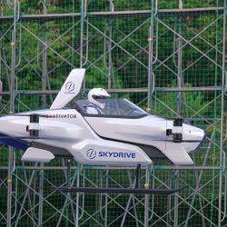 Sólo puede transportar una persona y estará equipado con cuatro pares de hélices que cuentan con su propio motor eléctrico.