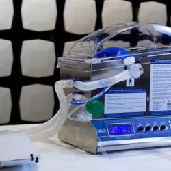 En un principio se fabricarán 100 equipos por semana y unas 500 bolsas de ventilación manual.