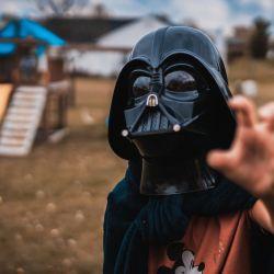 Darth Vader también dice presente en esta lúdica propuesta de la firma española.