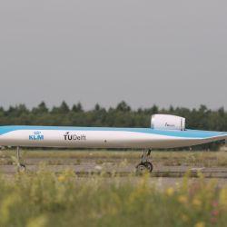 El espectacular avión Flying-V diseñado para KLM por la Universidad Tecnológica de Delft ya tuvo su vuelo de bautismo.