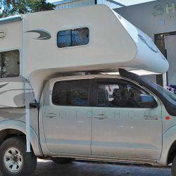 Como un caracol, la pick up también puede llevar la casa en los hombros incorporando un camper, tal como lo demuestra este producto de Heevel Motohome, ubicado en Adrogué.