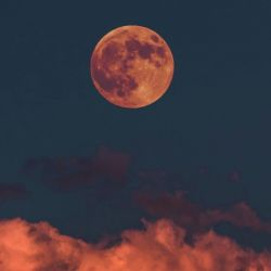 Si bien la Luna, sin aire ni agua, no debería oxidarse, los científicos comprobaron que este proceso también ocurre en nuestro satélite.