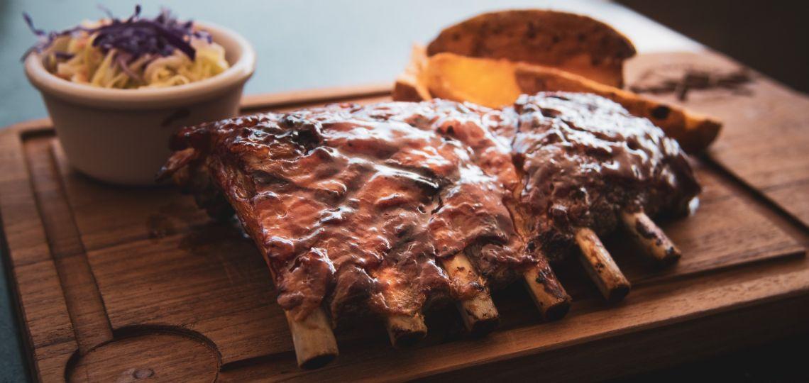 En este viernes 4, la receta perfecta para lograr las mejores ribs de cerdo