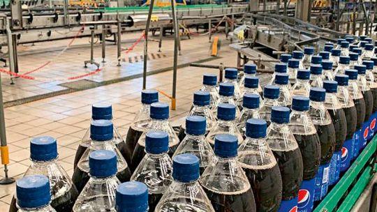 Línea de producción de Pepsi.
