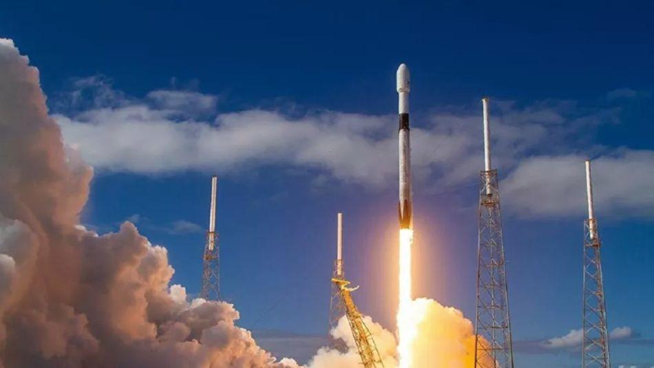 SpaceX lanza al espacio 60 satélites Starlink con un solo cohete