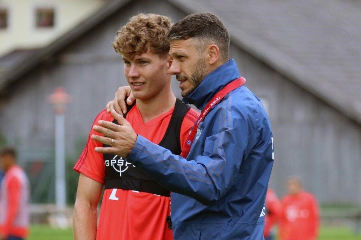 Pasado y presente. El cordobés jugó ocho temporadas en el Bayern Munich. Hoy dirige al principal equipo juvenil del club alemán.