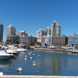 De los 3.500.000 turistas que visitaron el país en la pasada temporada veraniega, 1.800.000 fueron argentinos.